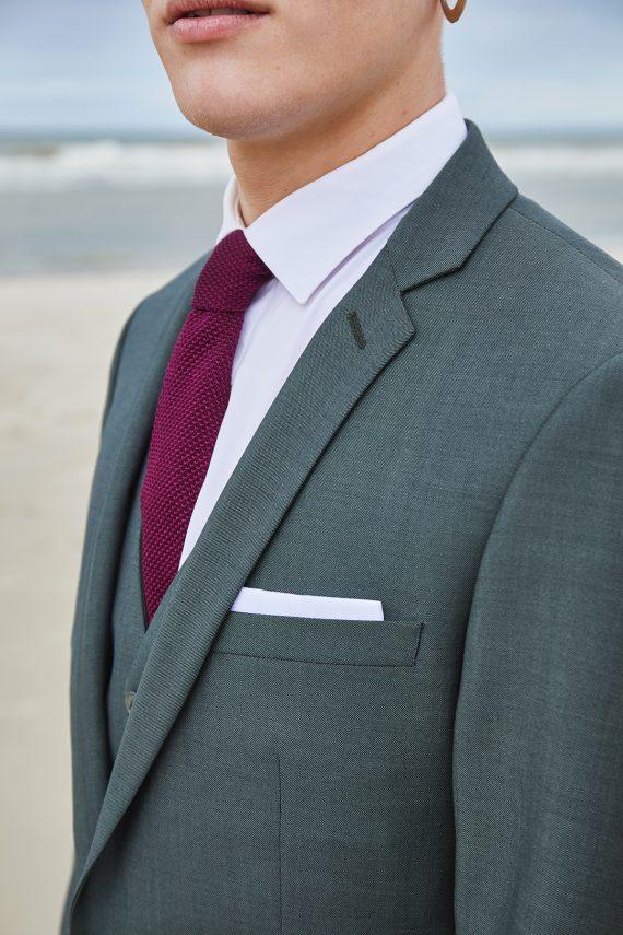 daren-costume-3pieces-gris-vert-portrait